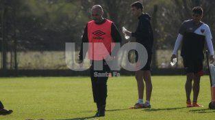 Paolo Montero piensa en la pretemporada y no en la Copa Santa Fe.