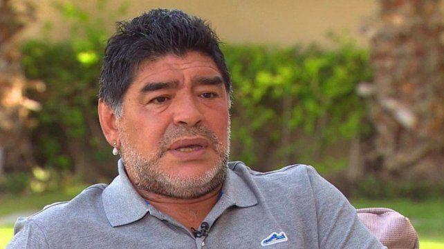 Maradona es uno de los candidatos para dirigir a la Selección de Bolivia