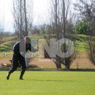 Vignatti dejó en manos de Paolo Montero el armado del equipo y la decisión si quiere dirigir o no.