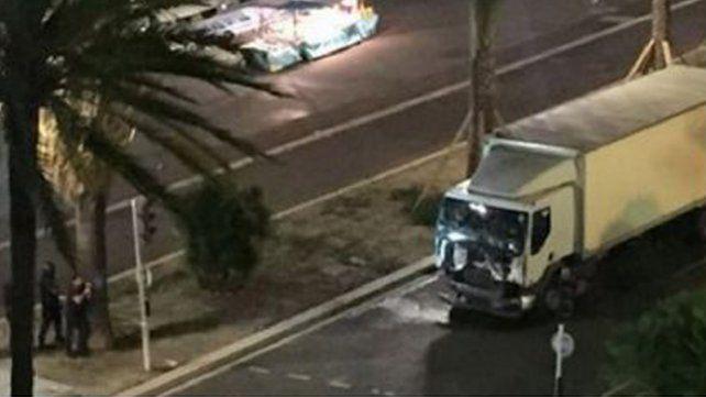 Atentado en Niza: detuvieron al conductor del camión