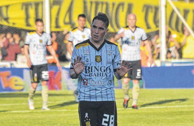 En las próximas horas podría resolverse favorablemente la negociación por el delantero Walter Acuña.