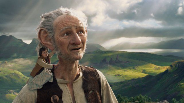 Una amistad diferente. La historia narra una relación entre una niña y un gigante bueno.