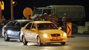 Soldados turcos se ubican en la parte asiática de Estambul