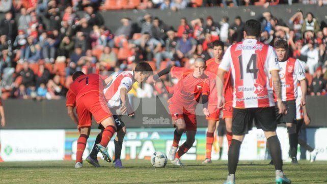 Copa Santa Fe: Colón SJ quiere ocupar el lugar de Colón si no se presenta