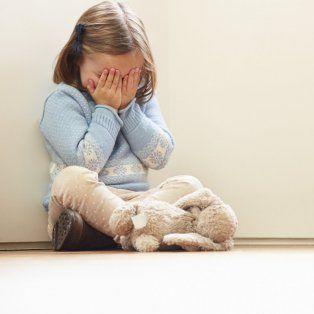 filmaba los abusos sexuales a su hija de 4 y otros menores de edad