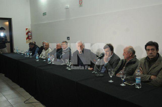 La dirigencia sabalera solicitó una reunión para reprogramar la fecha de los dos partidos clásicos.