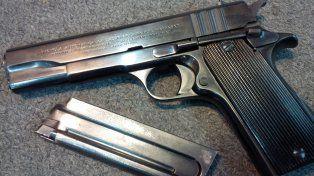 B° Santa Rosa de Lima: aprehendieron a dos violentos tiratiros con una pistola