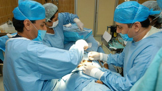 Iapos reconocerá el implante mamario a Sandy, una chica trans
