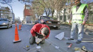 Demarcación de carriles en calle Urquiza
