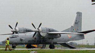 Desaparece un avión militar en India con 29 personas a bordo