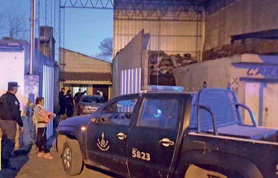 La zona. Fernández fue baleado en la vereda de una carbonería.