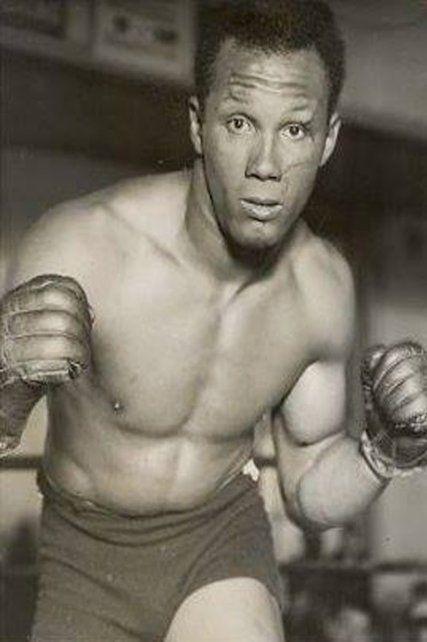 Santiago Alberto Lovell. Fue campeón en la categoría pesado en Los Angeles 1932.
