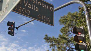 Seguridad vial: empieza a funcionar el semáforo en Aristóbulo del Valle e Iturraspe