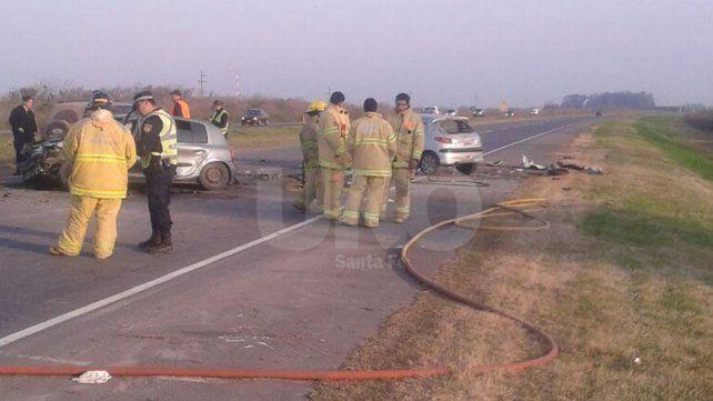 Un auto cruzó el cantero central de la autopista Santa Fe-Rosario y mató al conductor del vehículo que viajaba en sentido contrario