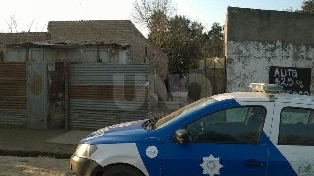 Santa Fe: tres detenidos con armas de fuego y 188 dosis de cocaína, tras un tiroteo en barrio Santo Domingo