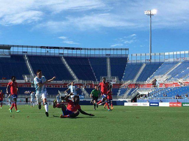 El seleccionado olímpico derrotó a Haití y el santafesino Martínez convirtió un gol