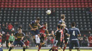 Los chicos de Newells fueron más que los de Central pero debieron conformar con el empate en la ida de la Copa