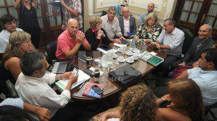 Aún sin cifras. Los sindicalistas esperan a agosto para sentarse a negociar salario