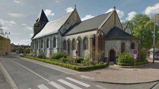 Un cura fue degollado en una toma de rehenes en una Iglesia de Normandía