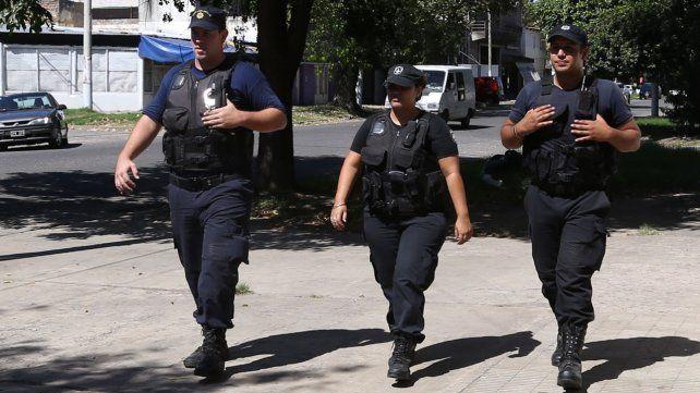 Abonan lo correspondiente a uniformes a las fuerzas de seguridad