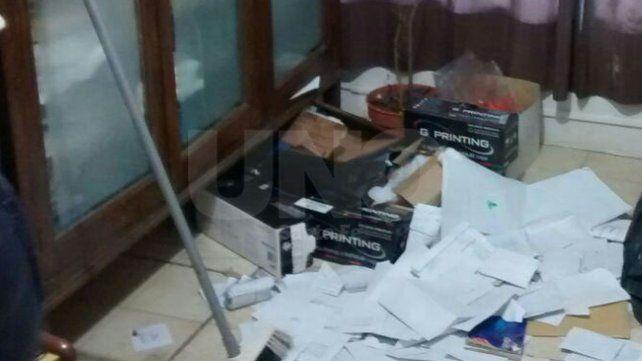 Robaron  600 mil pesos y un arsenal de armas y balas de guerra en Montes de Oca