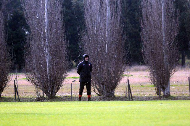 Paolo Montero destacó la mejoría del equipo ante Patronato en relación al primer partido amistoso. Foto: José Busiemi
