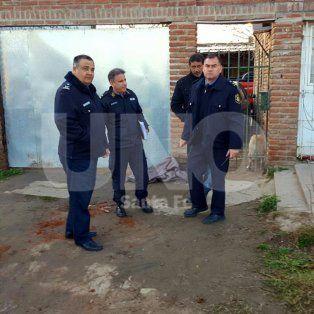 hallaron sin vida y envuelto en una frazada a un bebe abandonado en barrio san lorenzo