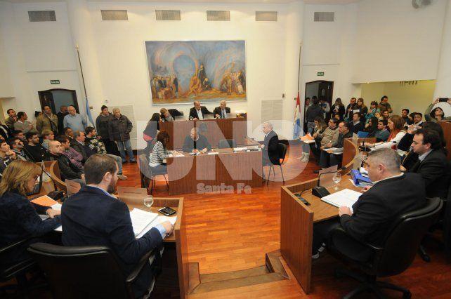 Concejales santafesinos aprobaron el endeudamiento solicitado por el intendente