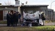 Un policía que llevaba a su hijo a la escuela se resistió a un asalto y mató a un ladrón
