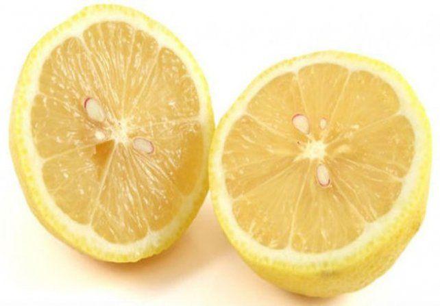 Los 9 beneficios de tomar agua con limón