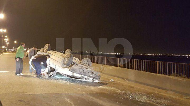Dos santafesino sufrieron un accidente y vuelco sobre la ruta nº168
