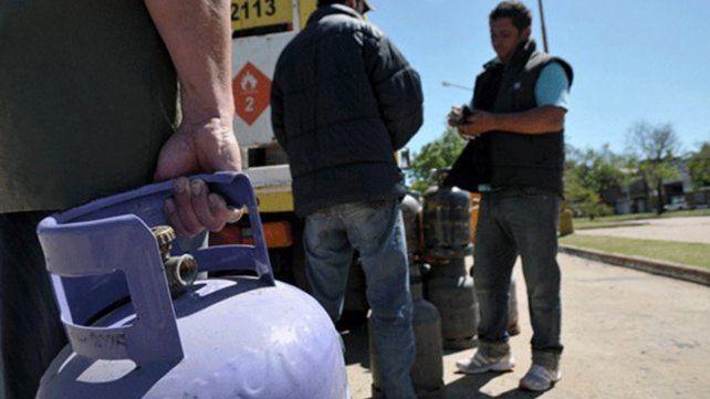 En agosto, continúa la venta de garrafas a precio diferencial en toda la ciudad