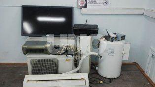 B° Guadalupe Oeste: apresaron a dos delincuentes y les incautaron electrodomésticos robados