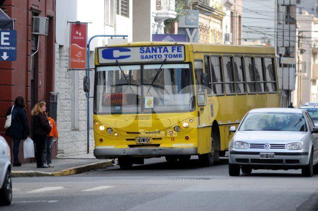 La Continental es la única empresa que presta servicio en la ciudad de Santo Tomé. Foto: M. Centurión