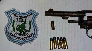 B° San Lorenzo: cruento tiroteo, un violento delincuente aprehendido y armas secuestradas