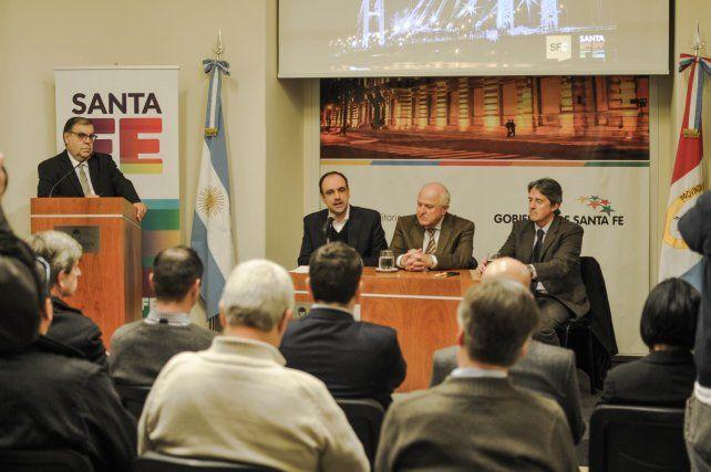 Acuerdo Capital: cuatro ofertas para nueva iluminación del Puente Colgante