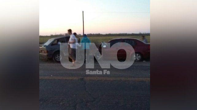 Murieron tres personas en un violento choque frontal entre dos autos en Correa