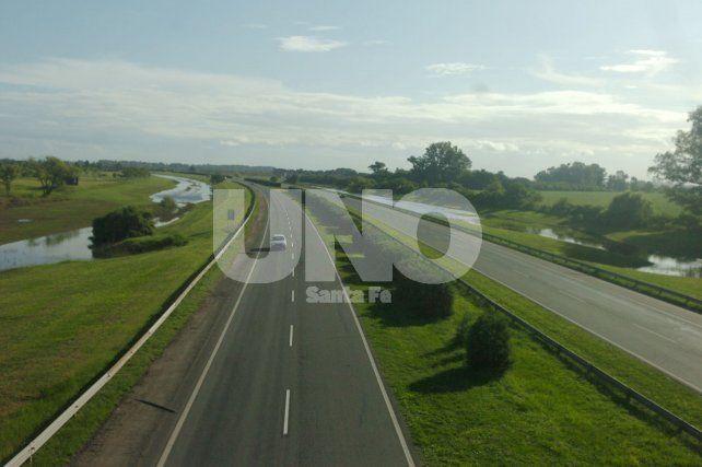 Una buena: rehabilitaron el tránsito en la autopista a Rosario