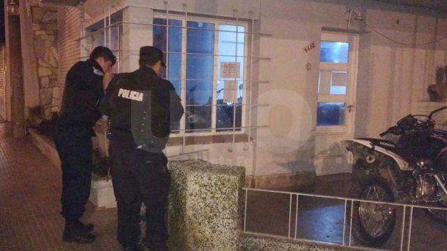 Detuvieron a un delincuente armado y con una handy policial en barrio San José