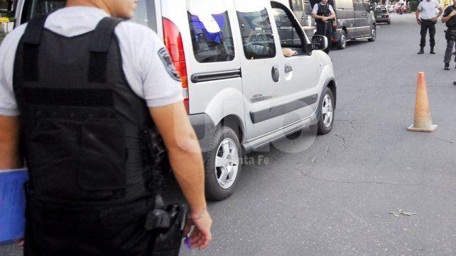 Robaron el arma reglamentaria y el chaleco antibalas de la casa de un policía