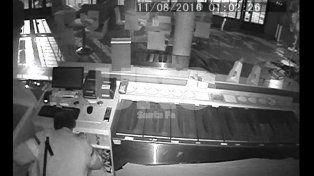 Santo Tomé: dos robos idénticos a una heladería en 30 horas. VIDEOS