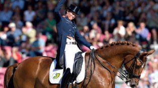 Una holandesa se retiró de los Juegos Olímpicos para salvar a su caballo