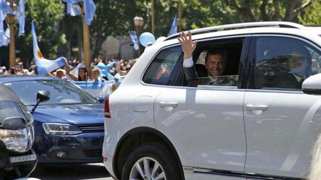 El presidente comenzará a trasladarse en un auto blindado