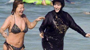 Cannes multó a tres mujeres por usar burkini desde que la prohibió por seguridad