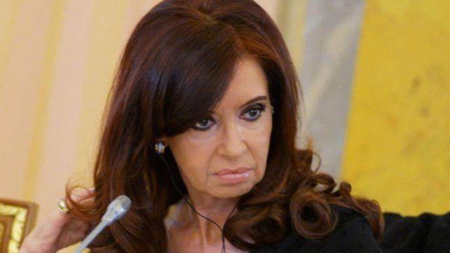 Piden indagar a Cristina por irregularidades en la obra pública durante su gobierno