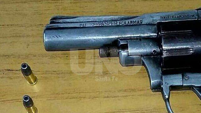 La Guardia: aprehendieron a violento tiratiros y le secuestraron un revólver cargado