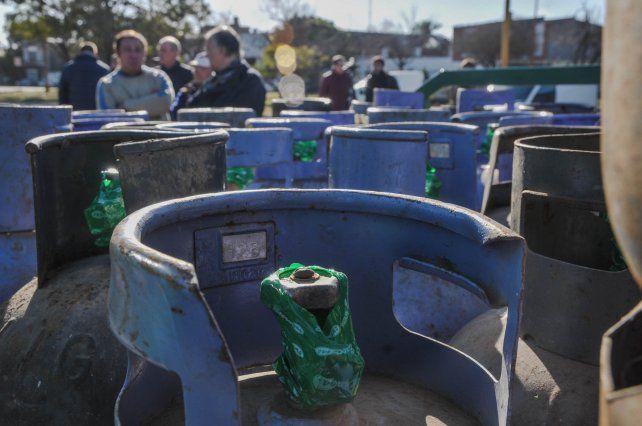 Ya se comercializaron en Santa Fe cerca de seis mil garrafas a precio diferencial