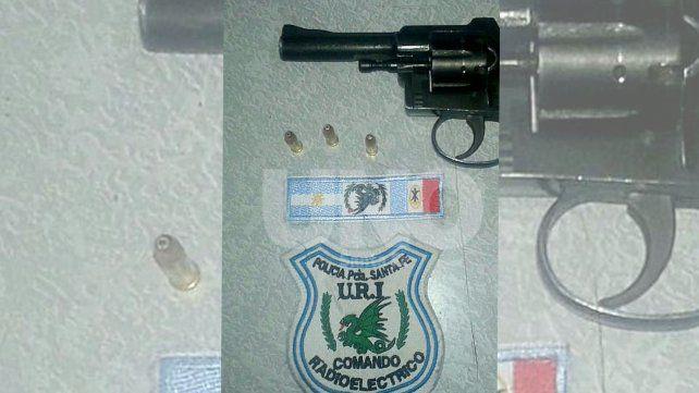 B° Los Troncos: aprehendieron a adolescente armado y le secuestraron un revólver