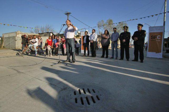 Inauguraron obras de desagües, pavimento e iluminación en vecinal San Lorenzo