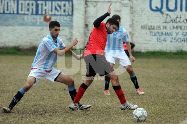Newells y Argentino este sábado se enfrentan en el Gigante de barrio Roma
